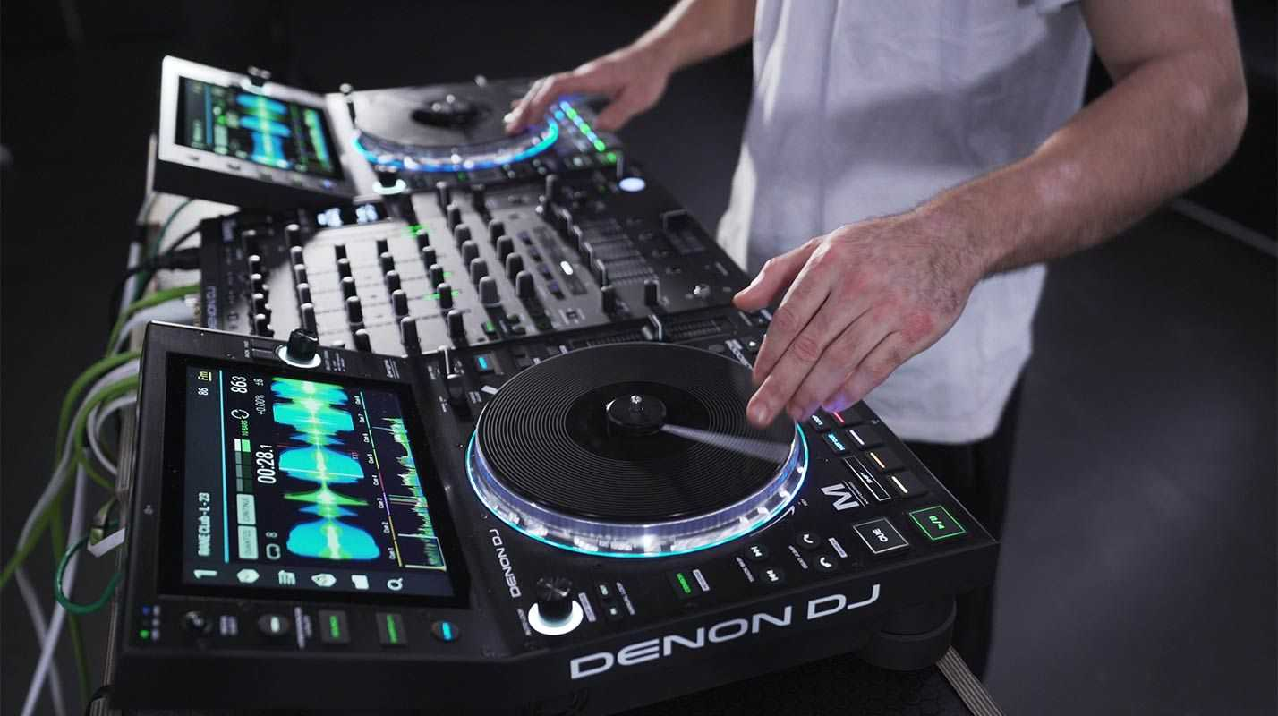 Denon DJ SC6000 + SC6000M Media Player